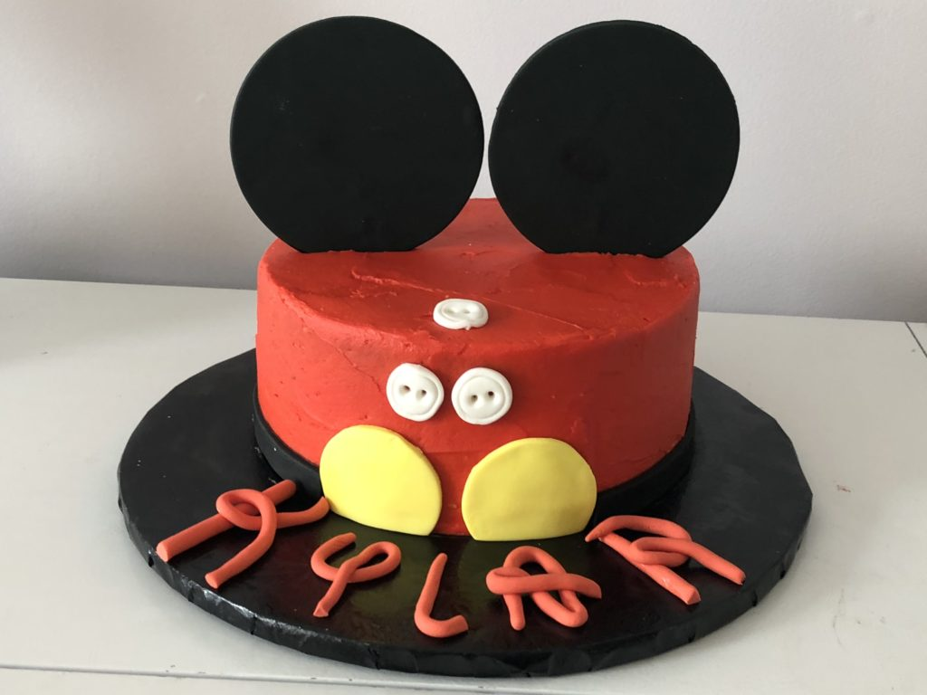 disney-mickey-mouse-cake
